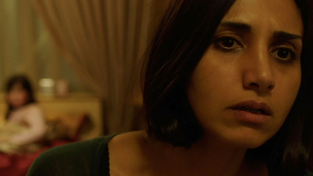 under the shadow (1)